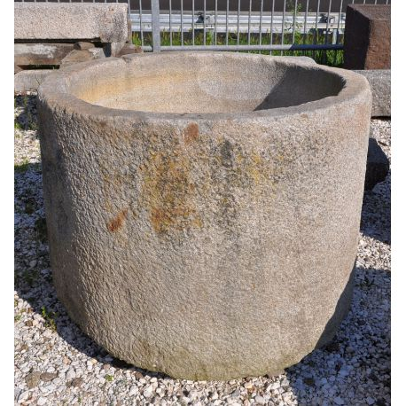 Old round fontain, no. 1607
